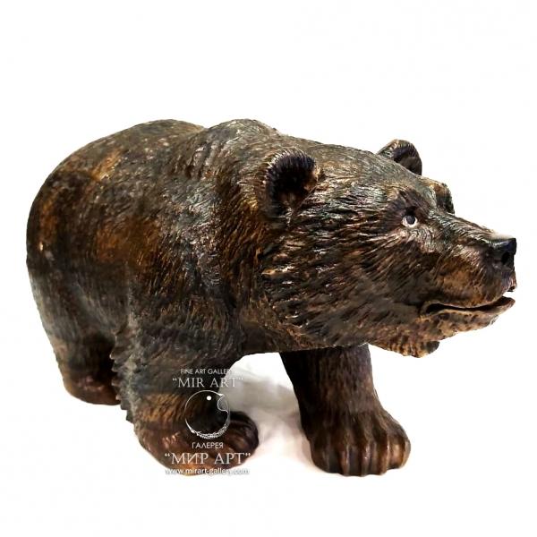 "Russian sculptor Evgeny Nikolaevich Vyatkin (born 1981) ""Bear"""