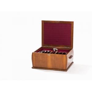 Столовый набор из серебра на двенадцать персон